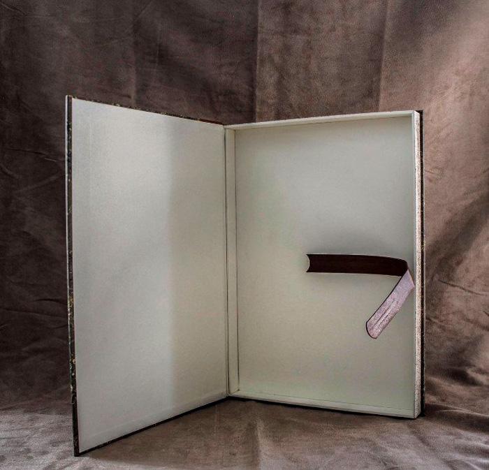 Art-Reliure-Renovation-Archivage-Restauration-Livres-Notaires-Mairies-Communautes-Registre-Dorure-These-Memoire-Ancien-Etui-Carnet-Couverture-Norme-IOCB-Narbonne-Sceller-31